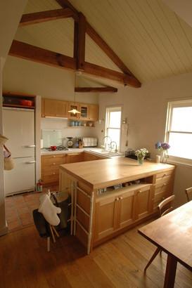 わが家のキッチンも勾配天井