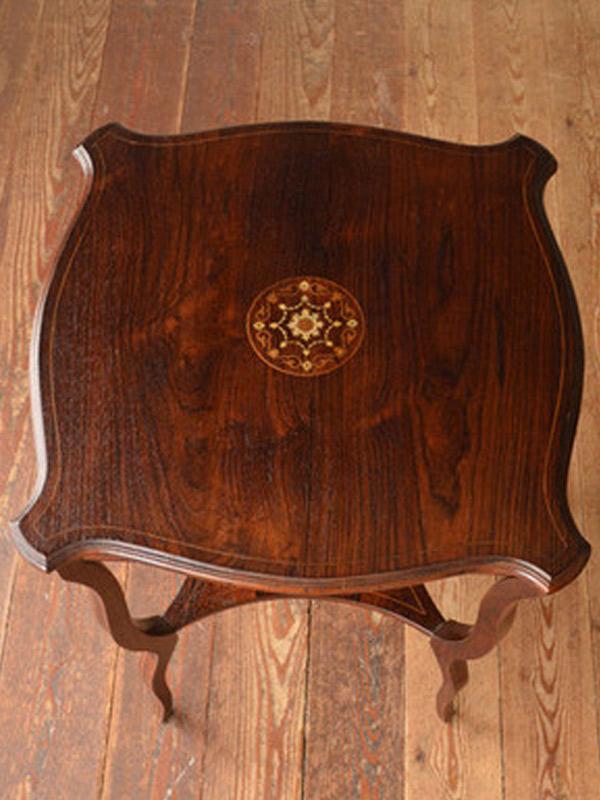ローズウッド材の家具