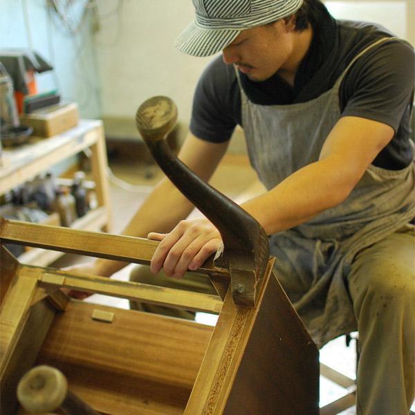 アンティーク家具の修復について